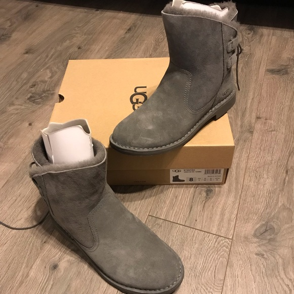 a8af8ae8625 NWT UGG Grey Suede Naiyah boot Fur-lined 8 NWT